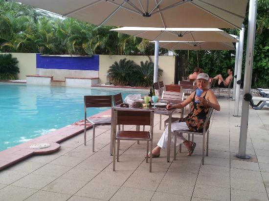Central Plaza Port Douglas: Ample and comfortable seating for the BBQ!