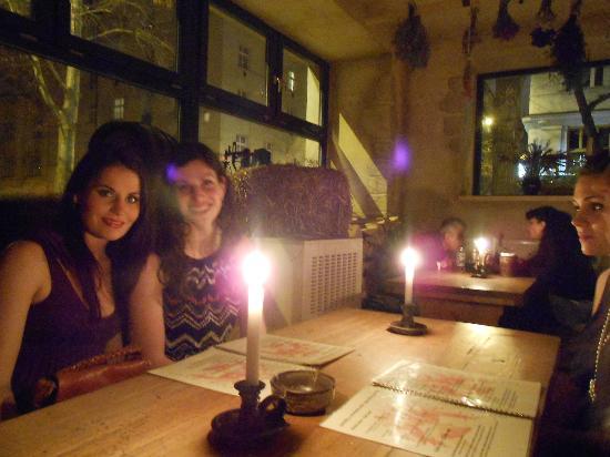 Staroceska Krcma : Candle light