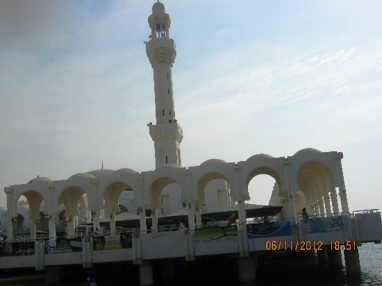 Mezquita Flotante: Nice place..