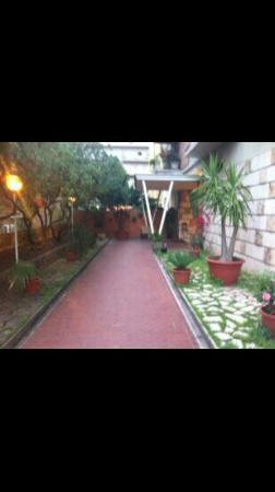 B&B Parco Delle Valli: patio