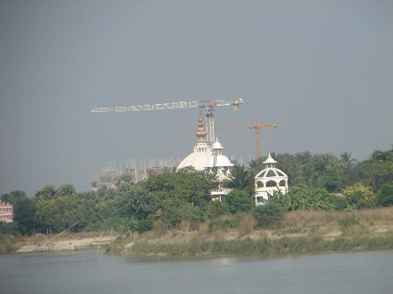 ISKCON Chandrodaya Temple: Outside View from River