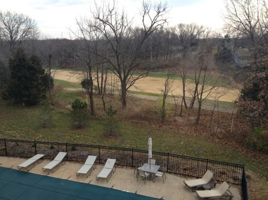 Wingate by Wyndham St. Charles: rear view over golf course