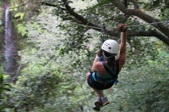 Costa Rica For Everyone: Daughter taking the plunge