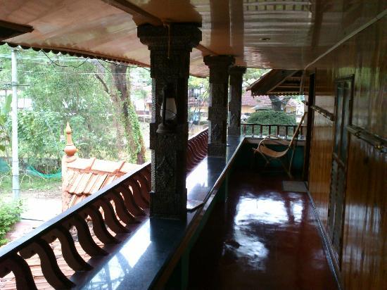 South Canal Holidays: balcony