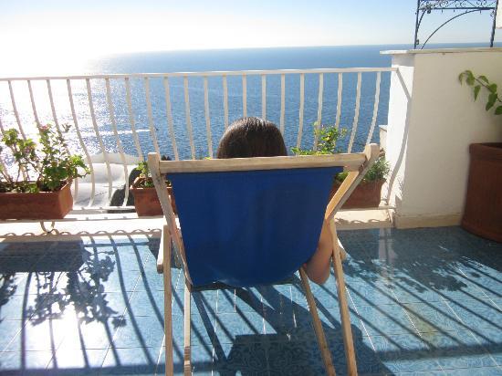 La Rosa Dei Venti: suntanning on the balcony