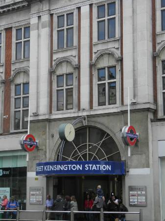 Kensington Close Hotel: Metro vicino a Kensington Close