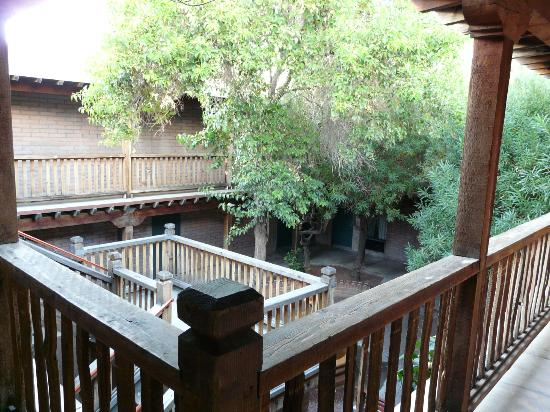 Comfort Suites at Sabino Canyon: Courtyard