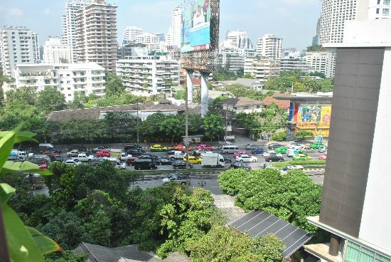 Citadines Sukhumvit 16 Bangkok: View from the Pool area