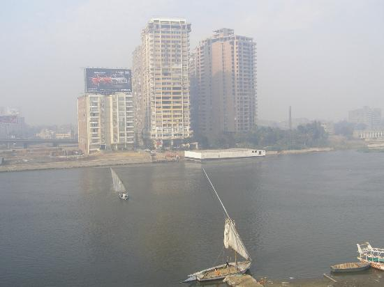 Holiday Inn Cairo Maadi: Across Nile River view, view from my room