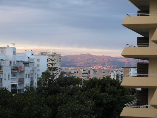 Gran Cervantes by Blue Sea: udsigt til træwe mws fuglelivet og bjerge i baggrunden