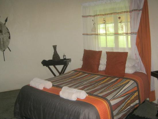 Protea Simunye Zulu Lodge: room