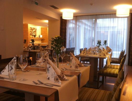 FourSide Hotel & Suites Vienna: Ramada Restaurant