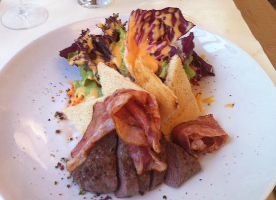 FourSide Hotel & Suites Vienna: Ramada toast salad