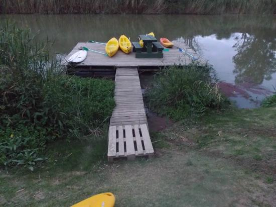 Avoca River Cabins: paddleski's available