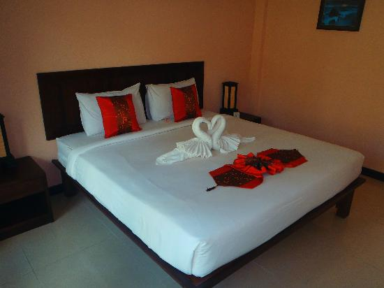 Ampha place hotel: chambres impeccables