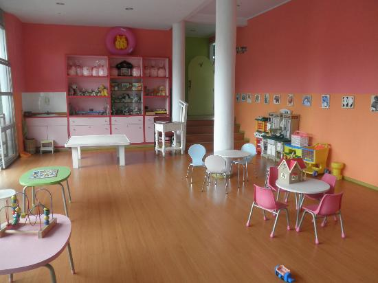 Novus Giri Resort & Spa: nice kids club