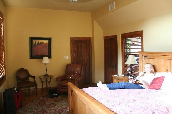 Escondida Resort : Tall ceilings - sitting area