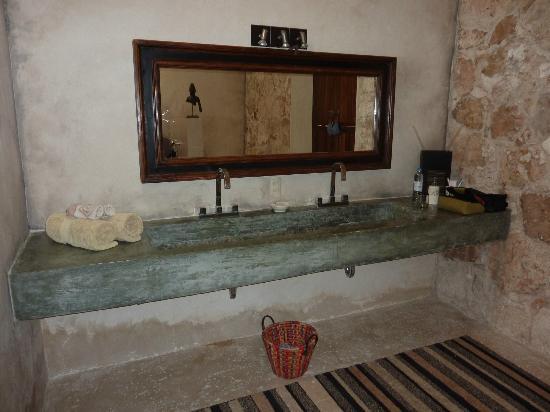 Hacienda Sacnicte: bathroom