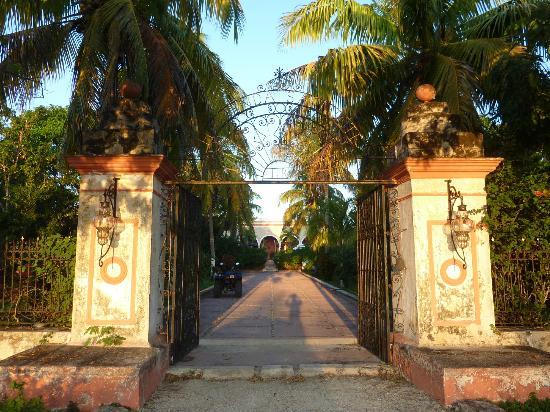 Hacienda Sacnicte: Entree