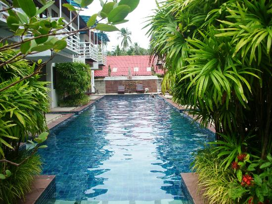 Florist Resort : This pool can be entered directly from the Superior Rooms