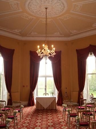 Coul House Hotel: Impressive room for the ceremony