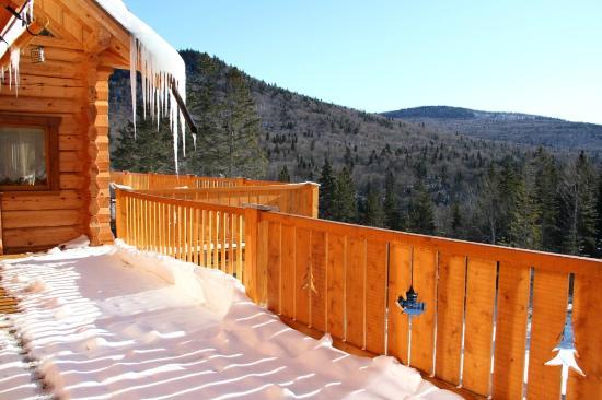Gite Aventures Quebec: vue hivernale depuis la terrasse