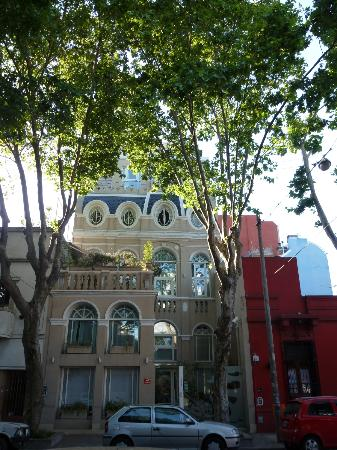 Rendez Vous Hotel Buenos Aires: Hotel building