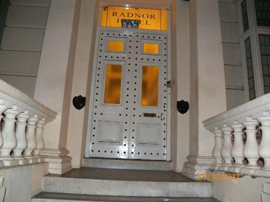 Radnor Bayswater Hotel: Buzzer on left side of door to enter building