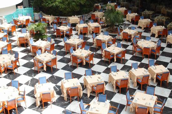 Cleopatra Palace Hotel: plenty of seating