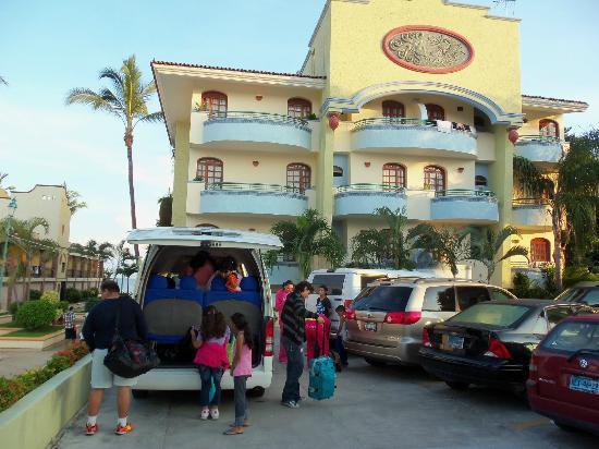 Hotel Jacqueline : Arriving at HJ!