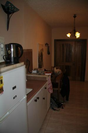 Arbel Guest House Shavit Family: Kochmöbel im Wohnzimmer