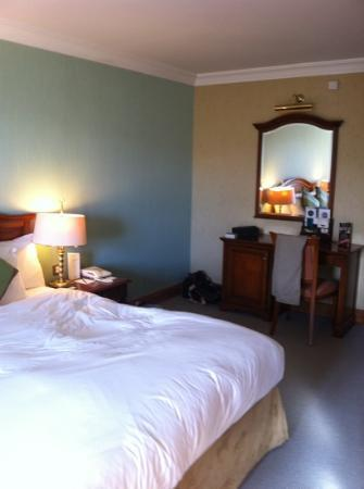 Killarney Plaza Hotel and Spa: room