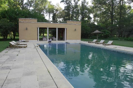 San Miguel del Monte, Argentina: swimming pool