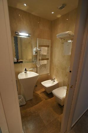 Hotel Sabbia d'Oro: Bathroom