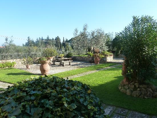 Villa Le Torri: view to the garden from the room