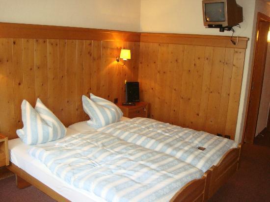Hotel Sonne: Bedroom