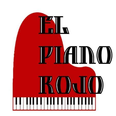 El Piano Rojo: Ajijic's cabaret show lounge