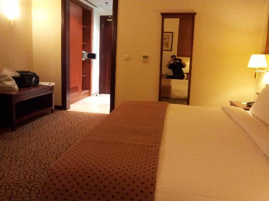 Lexington Gloria Hotel Doha: spacious room