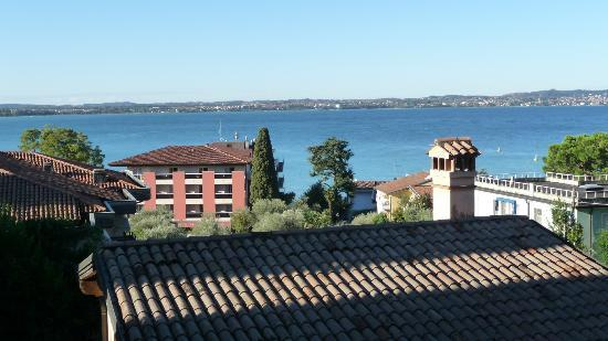 Villa Maria Hotel: View of Lake Garda from balcony