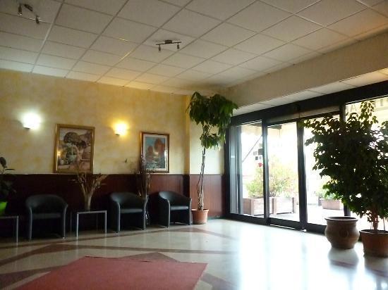Arcadia Hotel: the entrance