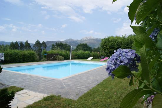 Rodiles de Matison: piscina con vista panorámica a la montaña