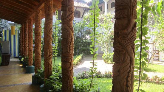 Hacienda Eden: Hotel grounds