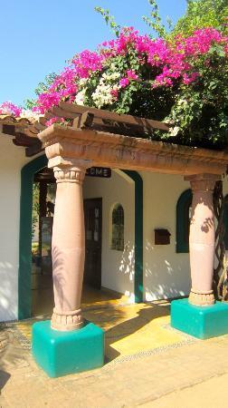 Hacienda Eden: Entrance