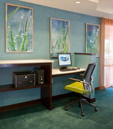 SpringHill Suites Phoenix North: Business Center
