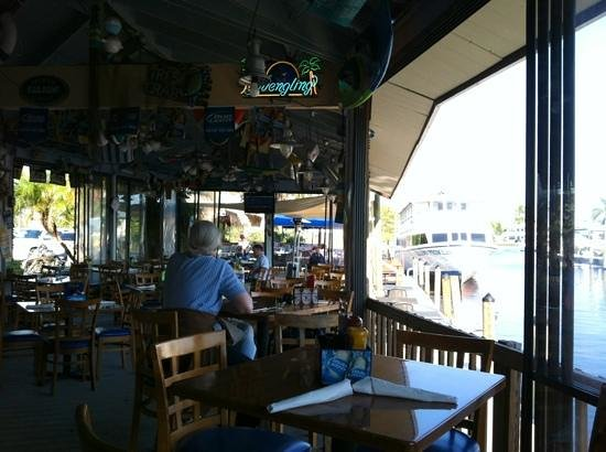 Manatee Island Bar & Grill: porch dining
