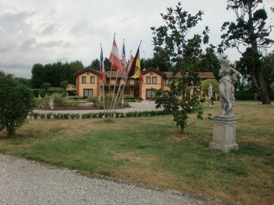 Park Hotel Villa Vicini: Außengelände