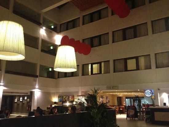 Hilton London Gatwick Airport: Reception area