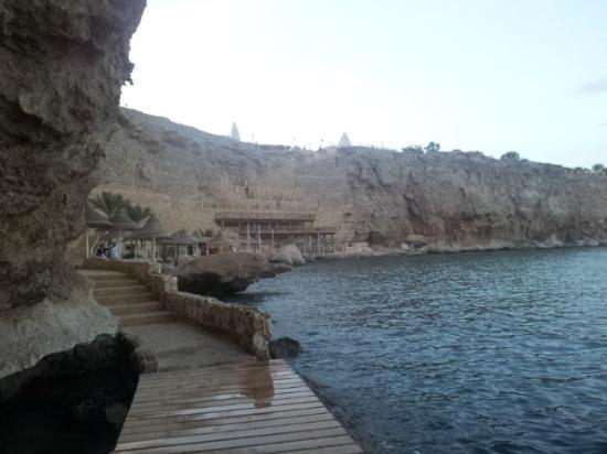 Dreams Beach Resort: new decking