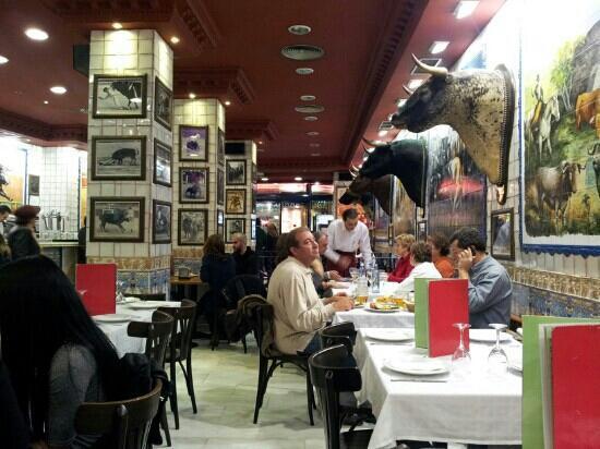 La Taurina: In attesa della Paella...