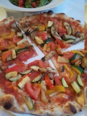 U Bakalare: pizza vegetarienne , qui semblait fade car sans fromage